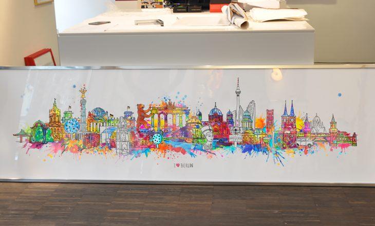 Birgit Ostens Kunst-Skyline für Berlin: schrillbunt, frech, liebenswert!